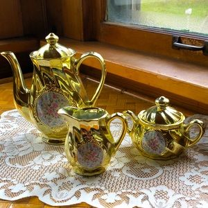 Stunning bright gold teapot, creamer & sugar bowl